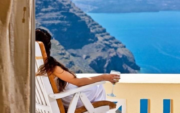 Αυξήθηκε ο τζίρος των τουριστικών καταλυμάτων