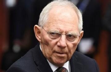 Σόιμπλε: Η Ελλάδα δεν πρέπει να αμφισβητεί την συμμετοχή του ΔΝΤ στο πρόγραμμα