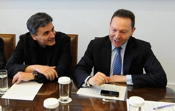 Το ν/σ για τα κόκκινα δάνεια επί τάπητος στη συνάντηση Στουρνάρα - Τσακαλώτου - Σταθάκη