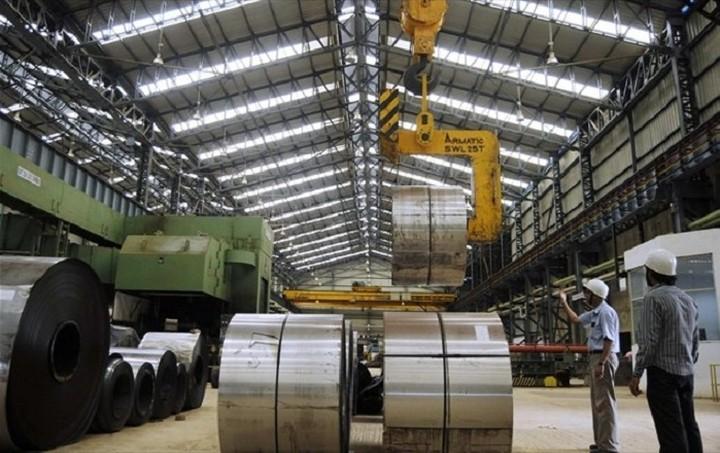 Πτώση 10,4% στις τιμές εισαγωγών στη βιομηχανία τον Οκτώβριο