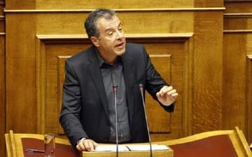 Θεοδωράκης: Ένας πρόχειρος νόμος που το 65% είναι ρουσφέτια και μπαλώματα