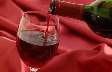Ακριβότερο το κρασί από την Πρωτοχρονιά