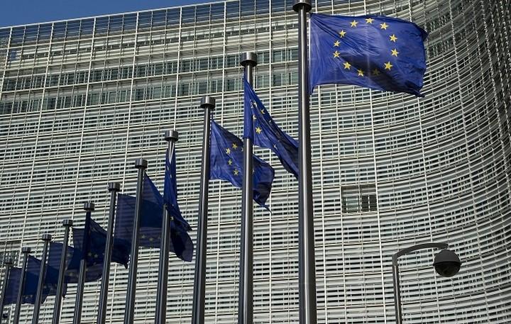 Κομισιόν: Η καταναλωτική εμπιστοσύνη στις χώρες του ευρώ αυξήθηκε τον Δεκέμβριο