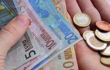 ΕΛΣΤΑΤ: Επιπλέον απώλειες 4,7 δισ. ευρώ είχαν τα νοικοκυριά το 2014