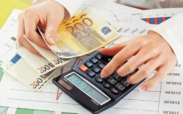 Ποιοι θα πληρώσουν λιγότερο φόρο με το εκκαθαριστικό του 2016