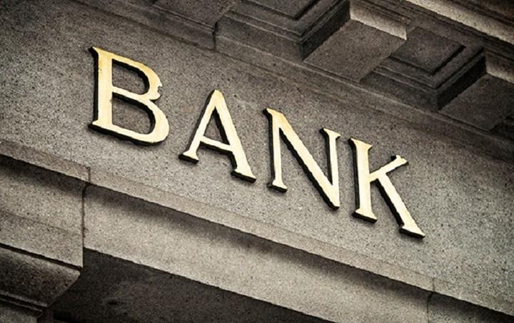 Handelsblatt: Σε φαύλο κύκλο οι ελληνικές τράπεζες