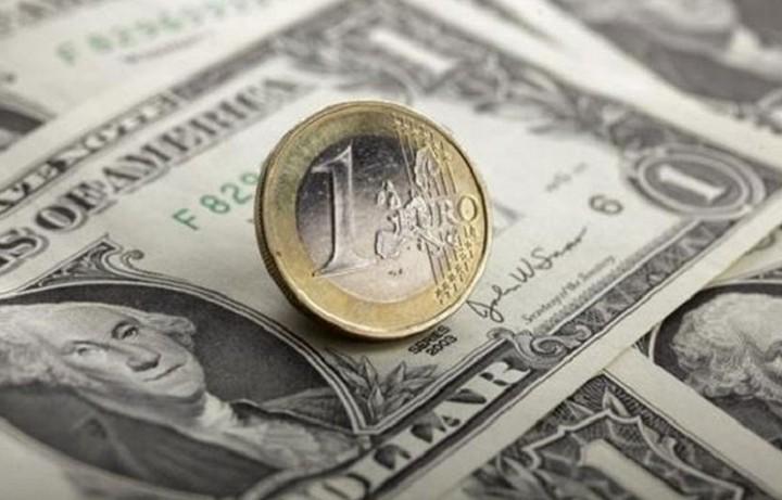 Πτωτικές τάσεις για το ευρώ έναντι του δολαρίου