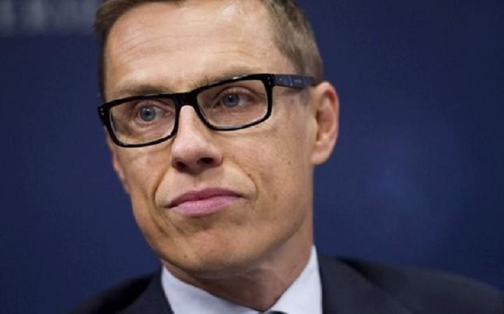 """Δεν υπάρχει θέμα """"Grexit"""" διαβεβαίωσε ο Φινλανδός ΥΠΟΙΚ"""