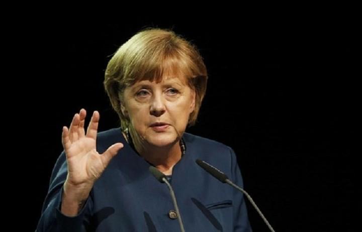 Μέρκελ: Εχθροί των ελεύθερων ανθρώπων είναι οι τρομοκράτες