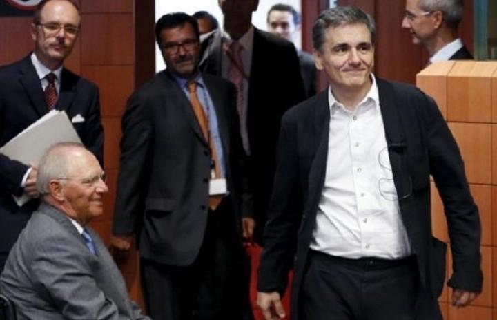 Oλοκληρώθηκε χωρίς δηλώσεις η συνάντηση Σόιμπλε - Τσακαλώτου