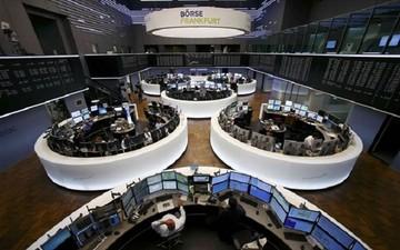 Πιέσεις στις ευρωαγορές