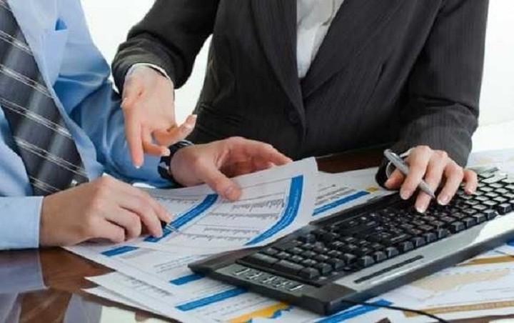Πρόγραμμα εθελούσιας εξόδου ετοιμάζουν οι τράπεζες