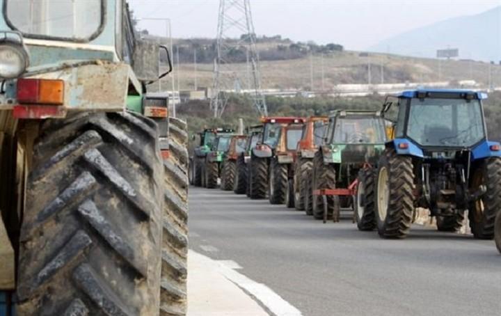 Ποιες ώρες θα κλείσουν σήμερα τις εθνικές και επαρχιακές οδούς οι αγρότες