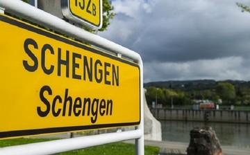 Παράταση των συνοριακών ελέγχων εντός Σένγκεν κατά δύο έτη ζητά η ΕΕ