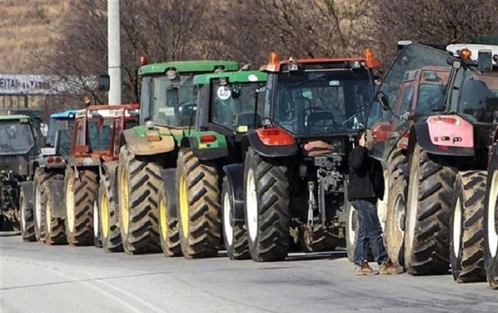 Σύσκεψη εκπροσώπων των μπλόκων των αγροτών το μεσημέρι στα Τέμπη