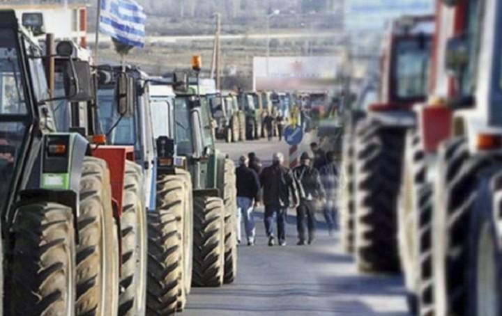 """Ανυποχώρητοι οι αγρότες, απειλούν με """"black out"""" στις Εθνικές Οδούς"""