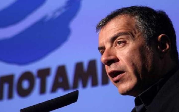 Θεοδωράκης: Η κυβέρνηση να κάνει διάλογο με αυτούς που εξαπάτησε