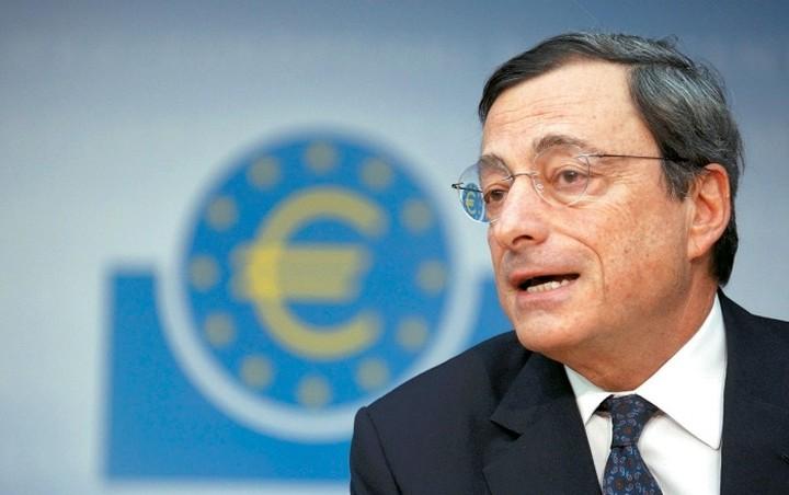 Ντράγκι: Πιθανή αναθεώρηση της νομισματικής πολιτικής της ΕΚΤ τον Μάρτιο