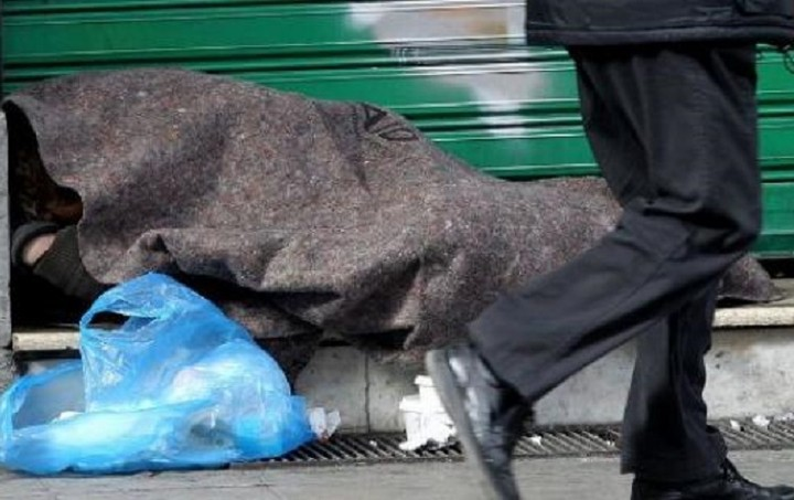 """Παρατείνεται το 2016 το πρόγραμμα """"Στέγαση και Επανένταξη"""" για τους αστέγους"""