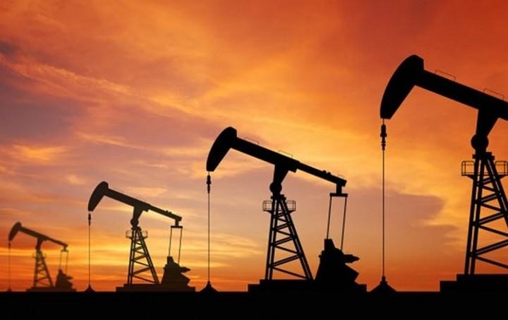 Άνοδο στη τιμή του πετρελαίου «βλέπουν» οι αναλυτές μέσα στο 2016