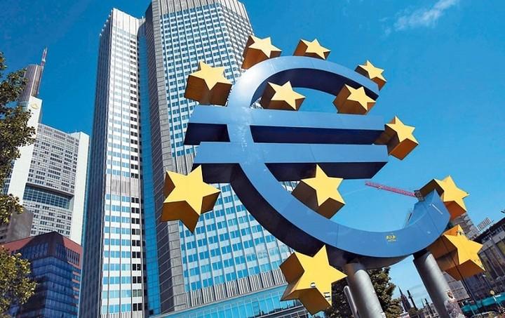 ΕΚΤ: Είμαστε έτοιμοι να ενισχύσουμε τα μέτρα στήριξης της οικονομίας εάν χρειαστεί