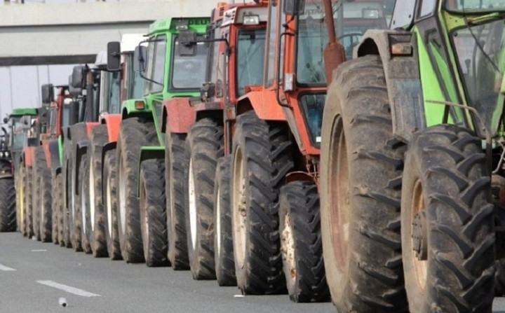 Κλιμακώνονται οι κινητοποιήσεις των αγροτών