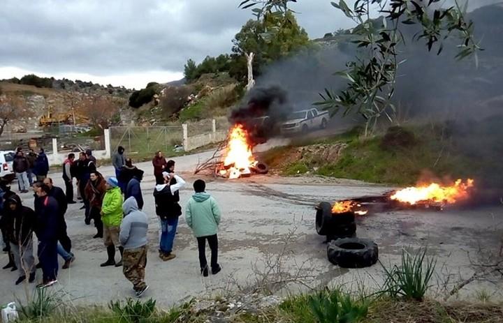 Άναψαν φωτιές για το hot spot στην Κω