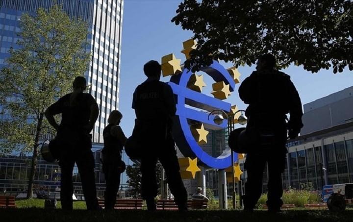ΕΚΤ: Η δημοσιονομική προσαρμογή που βασίζεται στους φόρους δεν οφελεί
