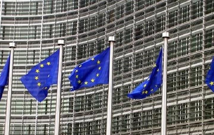 Την πρόταση για εμπλοκή του ΝΑΤΟ στο Αιγαίο χαιρετίζει η Κομισιόν