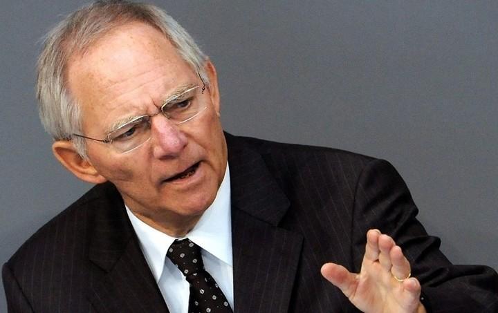 Βερολίνο: Καθησυχαστικός ο Σόιμπλε για την Deutsche Bank