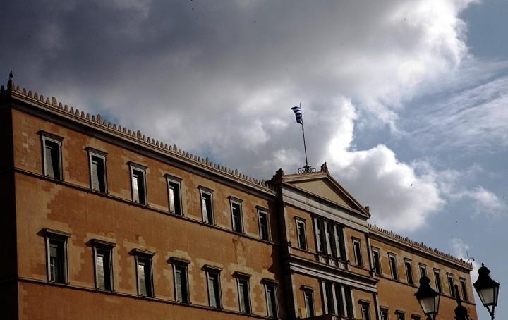 Κυβερνητική πηγή: Ναι στην εμπλοκή του ΝΑΤΟ στο προσφυγικό