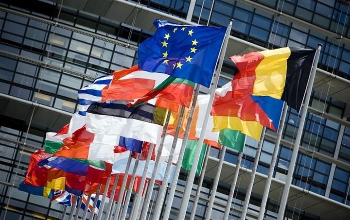 Kομισιόν: Πρόοδος στην Ελλάδα για τα hot spots