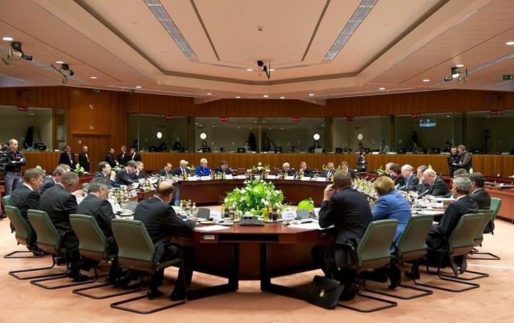 Στη σκιά του ασφαλιστικού συνεδριάζει το Εurogroup