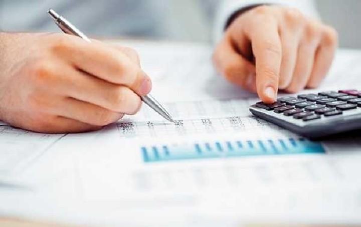 ΟΕΕ: Αγανάκτηση για τον αποκλεισμό των οικονομολόγων από τη νέα για τις εισφορές