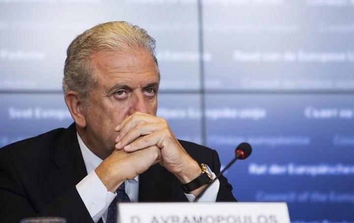 Συνάντηση Αβραμόπουλου με τον γενικό γραμματέα του ΝΑΤΟ