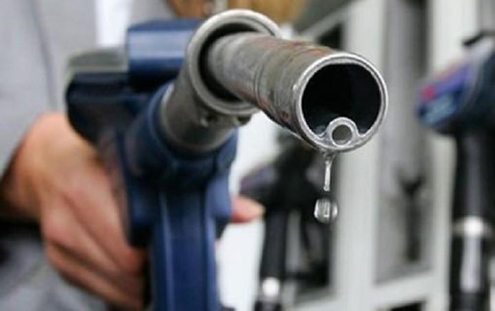 Φόρος «σοκ» στην αμόλυβδη – Πόσα πληρώνουμε για κάθε λίτρο βενζίνης
