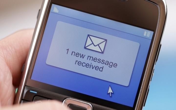 """Πώς να προστατέψετε το κινητό σας από """"ύποπτα"""" SMS"""