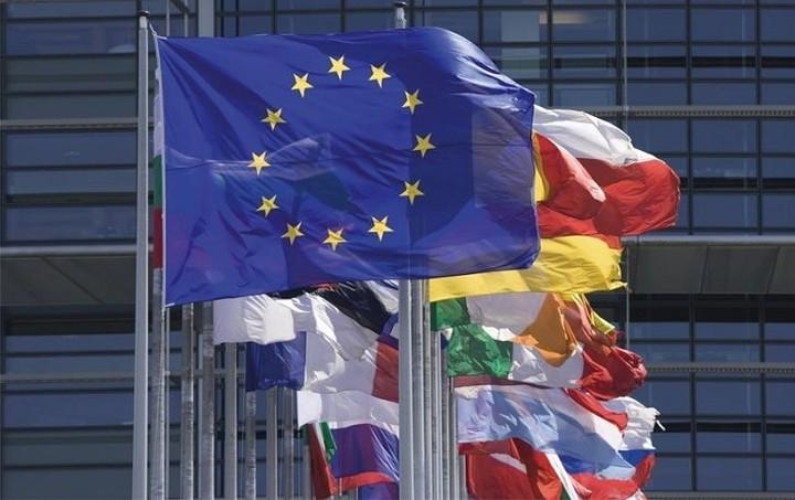 Ικανοποίηση της Κομισιόν για τις εν εξελίξει εργασίες στα ελληνικά hotspots