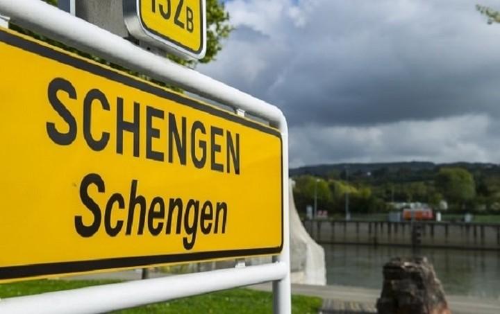 Θέμα έξωσης της Ελλάδας από τη Σένγκεν θέτει ο ΥΠΟΙΚ της Βαυαρίας