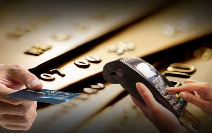 Έρχεται η ρύθμιση για το αφορολόγητο με τη χρήση κάρτας - Οι εξαιρέσεις