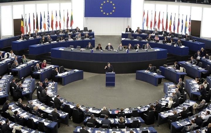 Ευρωκοινοβούλιο: Ανεπαρκής η ευρωπαϊκή βοήθεια προς την Ελλάδα για το προσφυγικό