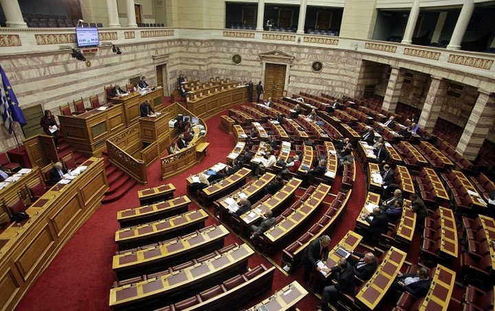 Έρχεται βροχή από «φορο-τροπολογίες» στη Βουλή - Τι θα προβλέπουν