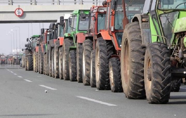 Συνεχίζονται οι κινητοποιήσεις από τους αγρότες στα Χανιά
