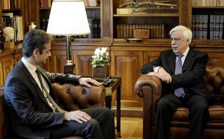 Ανησυχία για το μεταναστευτικό εξέφρασε ο Μητσοτάκης στον ΠτΔ