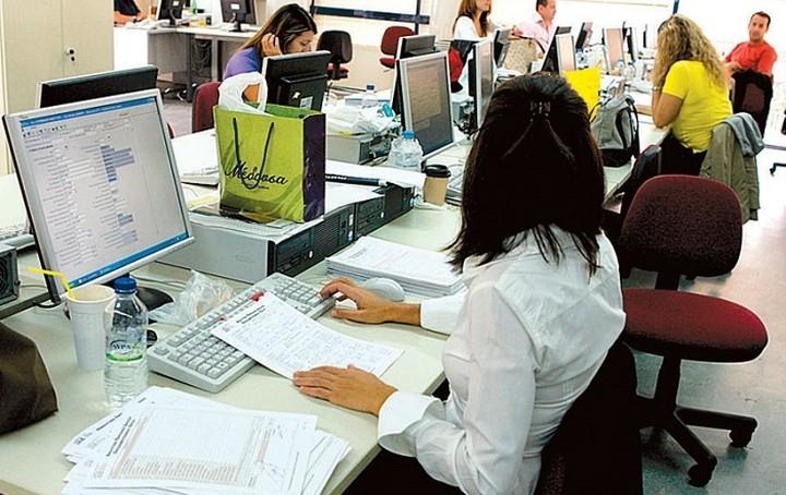 Τι προβλέπει ο νέος νόμος για την αξιολόγηση των δημοσίων υπαλλήλων