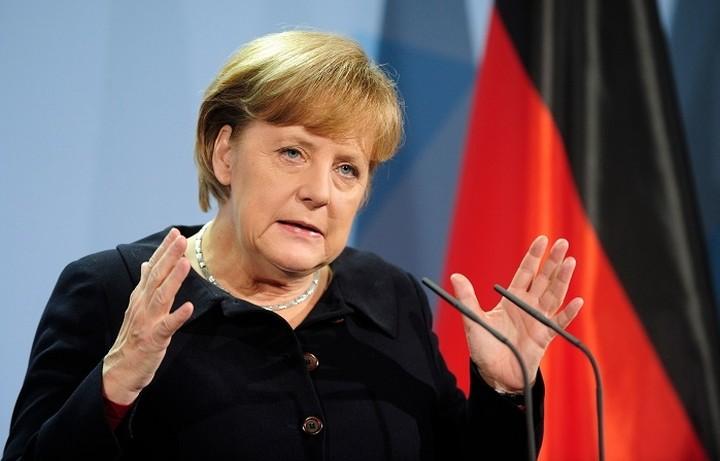 Μέρκελ:«Δεν μπορούμε να εγκαταλείψουμε τώρα την Ελλάδα»