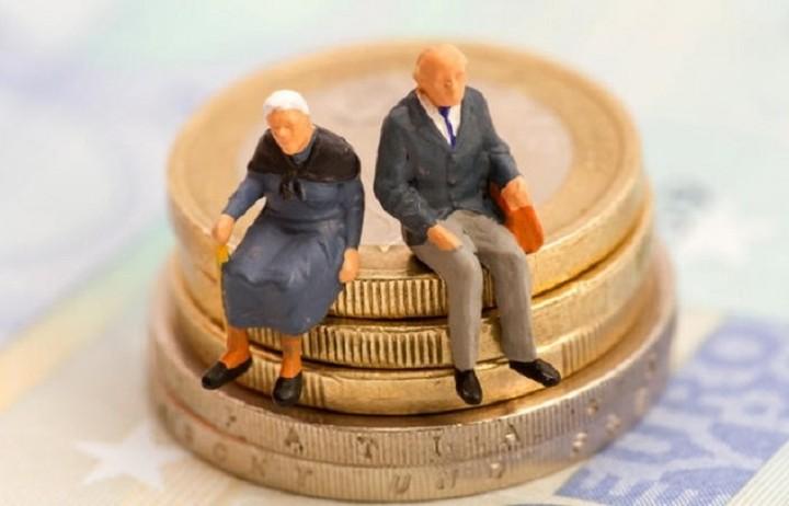 Έρχονται μειώσεις από 400 έως και 600 ευρώ στις συντάξεις
