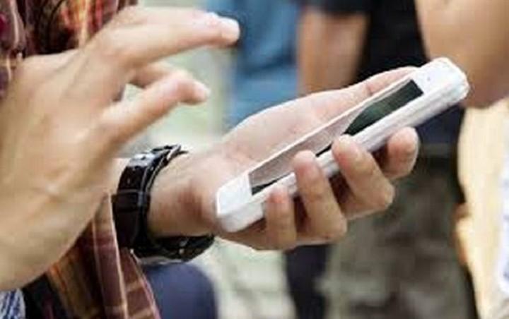 Πληρωμές μέσω smartphone το οποίο θα βρίσκεται στην τσάντα ή στην τσέπη