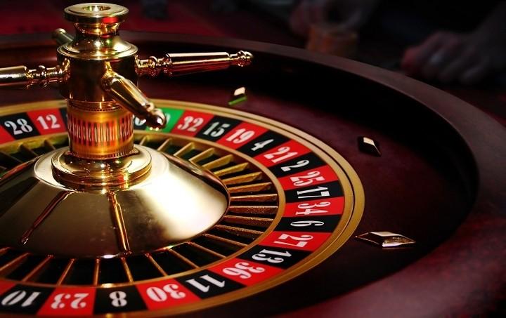Πωλείται καζίνο - Ποιοι το διεκδικούν