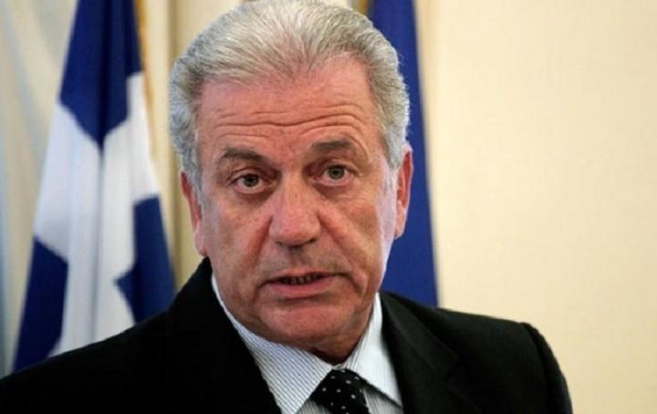 Αβραμόπουλος: Υπάρχει κίνδυνος να μετατραπεί το προσφυγικό σε καταστροφή